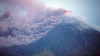 Филипински вулкан евакуира 34 000 души