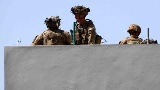 Жертвите на терористичната атака при летището в Кабул са най-малко 200