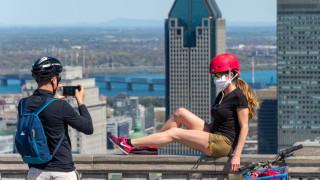 Съвет от здравните власти в Канада: Извън дома си, носете маска по време на секс