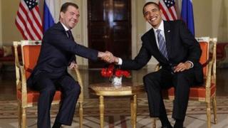 Обама и Медведев се поздравиха за договора СТАРТ