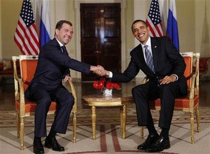 Обама заляга над руския език