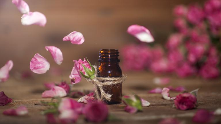 Японска компания търси розово масло и вода от България
