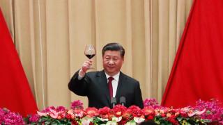 """Китайският президент обещава да поддържа """"една страна, две системи"""" в Хонконг"""