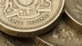 Паундът скочи до 5-месечен връх след постигнатата сделка за Брекзит