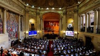 И Конгресът на Колумбия одобри мирното споразумение