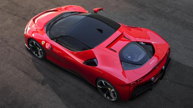 Първият plug-in хибрид на Ferrari e най-мощният автомобил, който марката е правила
