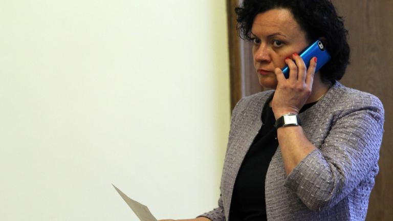 Двама министри успокояват, че язовири няма да преливат
