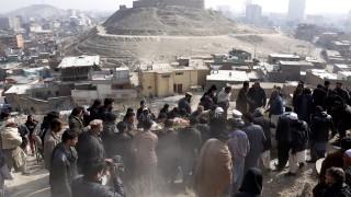 Половината афганистански момичета не учат