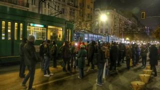 Протестиращи искат разследване на кризата в здравеопазването