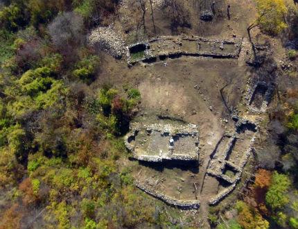 Предмети от античността до османските султани открити в крепостта Урвич