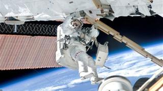 Проблеми в компютрите на космическата станция