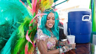 Риана - кралицата на карнавала (СНИМКИ)