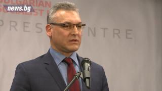 БСП иска от Делян Добрев да повтори оставката си