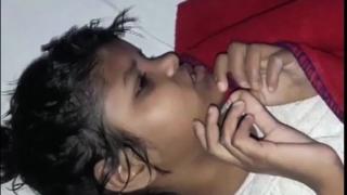 Издирват родителите на момиче, отгледано  от маймуни (ВИДЕО)