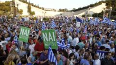 Десетки хиляди гърци на два отделни митинга в Атина – за и против Европа