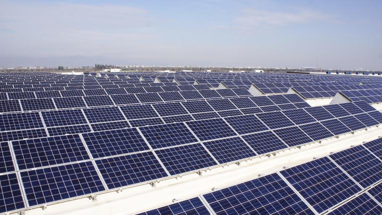 Арабската държава, която ще спести $192 милиарда от прехода към чиста енергия