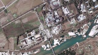 Северна Корея развива съоръженията си за балистични ракети