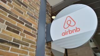 Airbnb удари на камък с плана си за Барселона