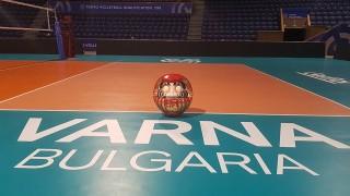 Дарума е във Варна и чака победителя в олимпийската квалификация по волейбол