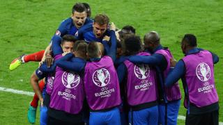 Гол-шедьовър на Пайе спаси Франция срещу Румъния на старта на Евро 2016 (ВИДЕО+ГАЛЕРИЯ)