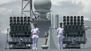 Китай праща военни кораби заради напрежение в Малдивите