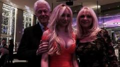 Клинтън имал и русо гадже с голям бюст