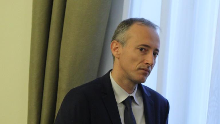МОН плаща две такси на Марсело Илиев в Кеймбридж