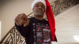 Майк Тайсън го играе Дядо Коледа