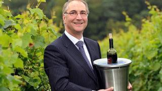 Машина превръща евтиното вино и уиски във висококачествено отлежало