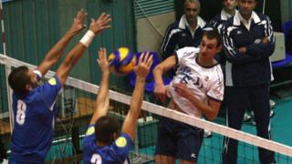 Марек шампион по волейбол след служебна победа
