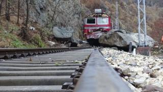 Релсовият път край Своге не е ремонтиран от 30 години