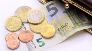 За час труд дават 43,5 евро в Дания и 5,4 евро в България