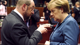 Мартин Шулц губи популярност, Меркел бележи ръст