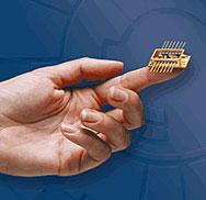 Нов чип обединява кредитна карта и мобилен телефон в едно