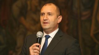 Радев обвинява държавни структури в супер продукции за инциденти с НСО