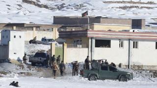 Талибаните избиха повече от 100 войници в Афганистан при нападение
