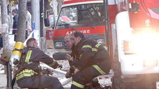Пожарникари спасиха 4-годишно момиче и две жени в Добрич