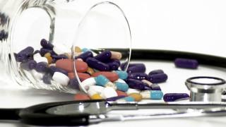 Маски, ръкавици и парацетамол търсят клиентите в аптеките онлайн