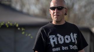 Неонацисти отбелязват рождения ден на Хитлер на рок фестивал в Германия
