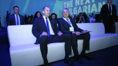 Абдикацията на журналистиката я превръща в PR инструмент на властта, напомня Радев
