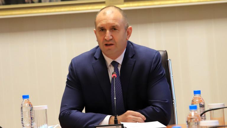 Румен Радев: РС Македония да изостави идеологемите от тоталитарното минало в учебниците