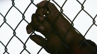 Постоянен арест за бащата, пребил жестоко сина си