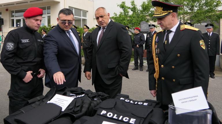 Ново техническо оборудване получиха служителите на полицейските структури в МВР.
