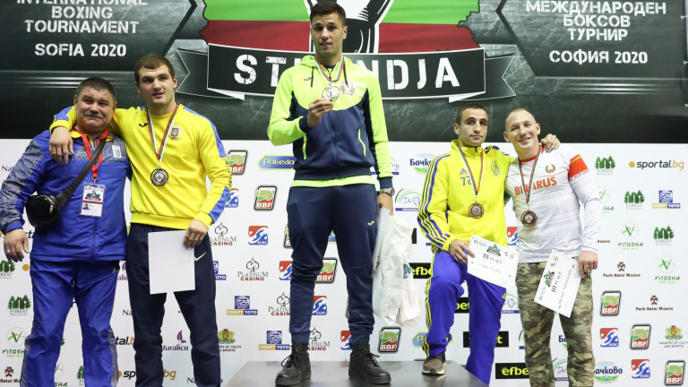 Даниел Асенов спечели