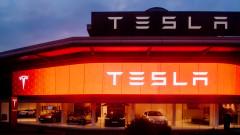 Tesla продължава да разочарова и акциите ѝ се сринаха с над 7%