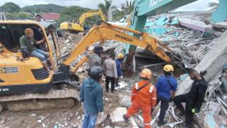 Няма пострадали българи при земетресението в Индонезия, убило 34 души