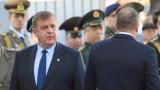Каракачанов прибира граничарите в МО, пази ги от Турция