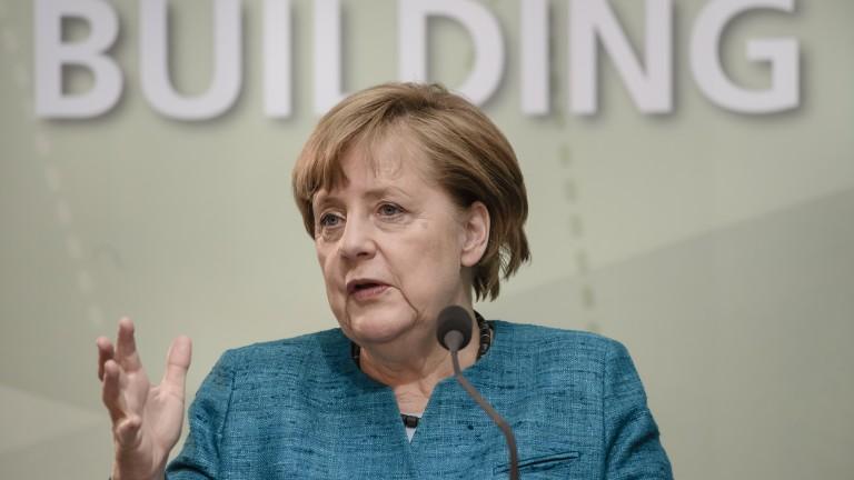Лондон ще си плати, ако ограничи имиграцията от ЕС, предупреди Меркел