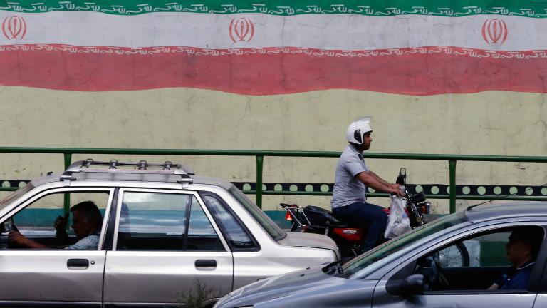 Половината американци очакват война с Иран