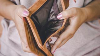 Изследване: Над половината население на тази водеща икономика е неплатежоспособно